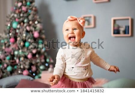 schoonheid · meisje · zag · geschenk · geïsoleerd · witte - stockfoto © PetrMalyshev