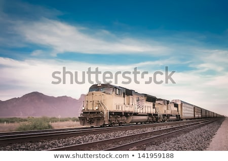 Train diesel locomotive port ciel voiture Photo stock © papa1266