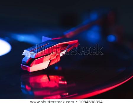 Fotoğraf gramofon stüdyo yalıtılmış siyah Stok fotoğraf © deandrobot
