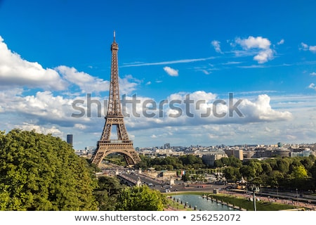 エッフェル塔 · 橋 · 川 · パリ · フランス · 雲 - ストックフォト © givaga