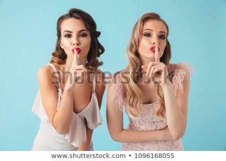 Deux mystère femmes posant ensemble regarder Photo stock © deandrobot