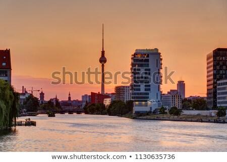 Belo pôr do sol rio Berlim televisão torre Foto stock © elxeneize