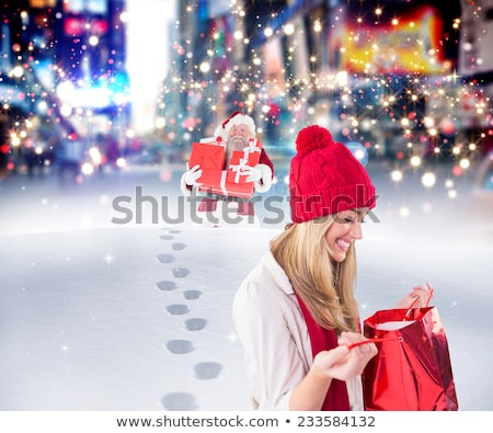 szexi · boldog · nő · piros · ruha · vásárlás - stock fotó © wavebreak_media