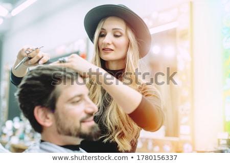 Pelo estilista cliente corte masculina hombre Foto stock © Kzenon