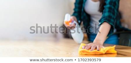 アジア 女性 ぼろ 洗剤 洗浄 ホーム ストックフォト © dolgachov