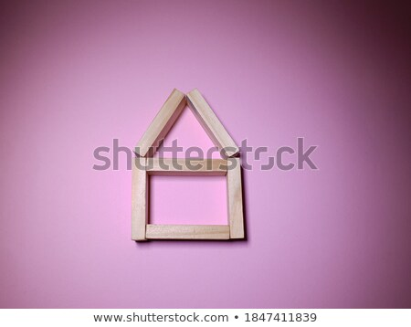 Stok fotoğraf: çocuklar · inşa · etmek · küçük · ev · tuğla · tasarımcı