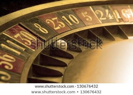 edad · rueda · de · la · ruleta · blanco · diversión · rojo · negro - foto stock © abbphoto