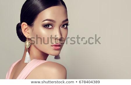 mujer · rosa · ahumado · ojos · hermosa · morena - foto stock © gromovataya