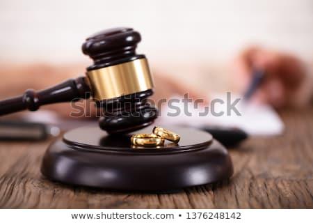 Obrączki dźwięku sala sądowa tabeli Zdjęcia stock © AndreyPopov
