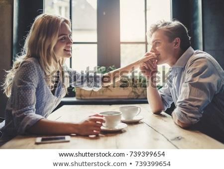 Bar zärtlich sprechen schöne Frau counter Licht Stock foto © wavebreak_media