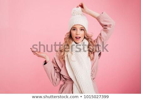 Heureux jeune femme chaud chapeau écharpe Photo stock © deandrobot