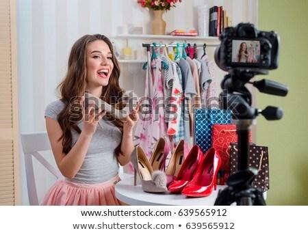 Feminino moda blogger blog compras Foto stock © dolgachov