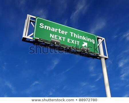 Gondolkodik autóút kijárat jelzés szuper magas döntés Stock fotó © eyeidea