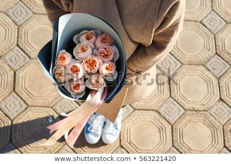 Hamile kız çiçekler mutlu el Stok fotoğraf © privilege