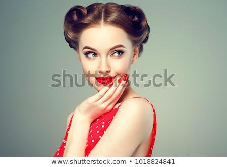 pinup · stílus · portré · gyönyörű · barna · hajú · lány - stock fotó © Glenofobiya