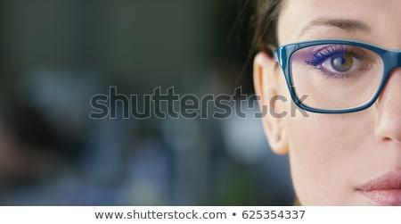 Güzel genç kadın göz gözler yalıtılmış beyaz Stok fotoğraf © master1305