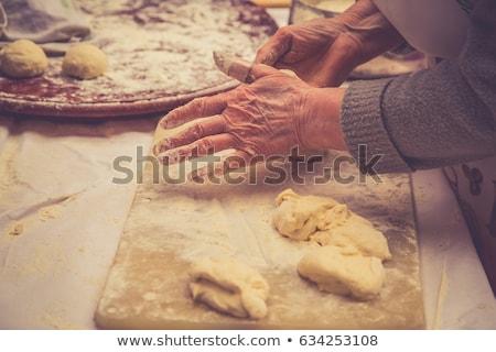 Arab oude vrouwen winkelen keuken cake Stockfoto © toyotoyo
