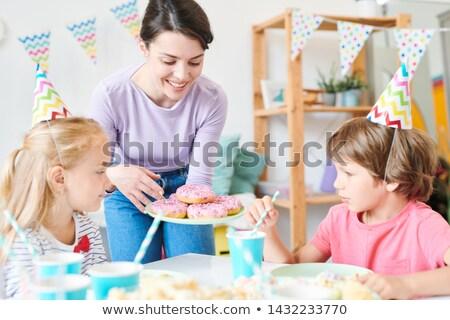 Dość matka jeden mały dzieci Zdjęcia stock © pressmaster