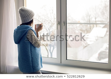 kız · oturma · ev · pencere · kış · çocukluk - stok fotoğraf © dolgachov