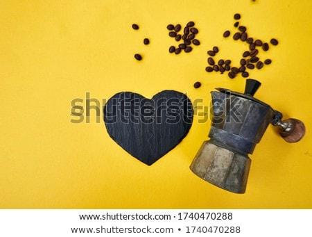 Koffiezetapparaat koffiebonen Geel bonen koffie liefde Stockfoto © Illia
