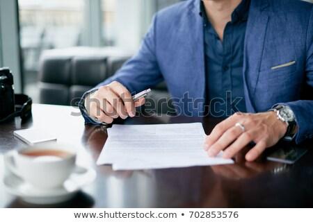 menselijke · hand · vulling · contract · vorm · huis - stockfoto © andreypopov