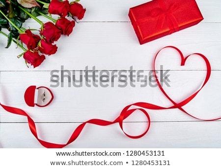 sevmek · takı · kırmızı · gül · yaratıcı · altın - stok fotoğraf © blackmoon979