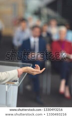 Halfbloed vrouwelijke spreker hand Stockfoto © wavebreak_media