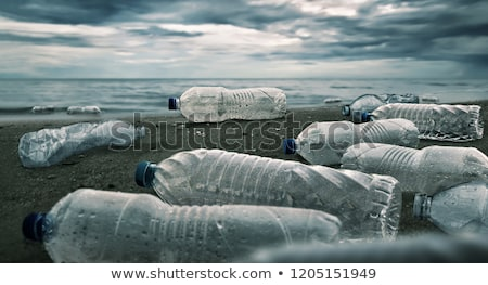 Plastik şişe içme suyu yalıtılmış beyaz yeşil Stok fotoğraf © AEyZRiO