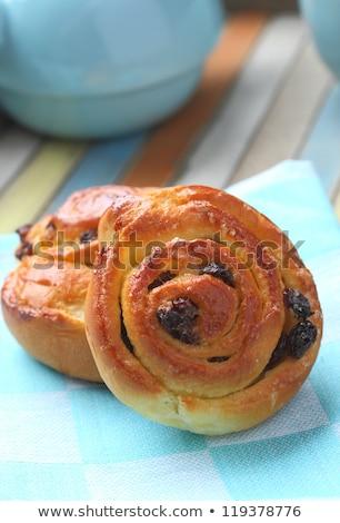Zoete swirl rozijnen ontbijt vers gebak Stockfoto © Melnyk