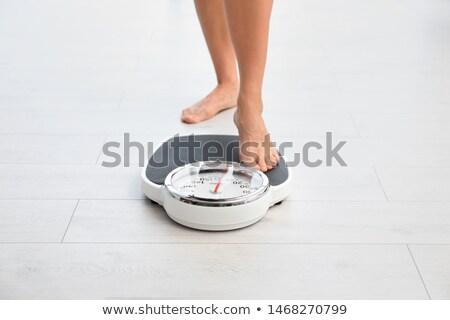 menina · pernas · balança · isolado · branco · saúde - foto stock © grafvision