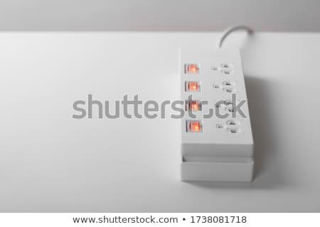Source de courant noir usb rouge isolé blanche Photo stock © boroda