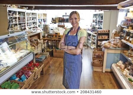 sahip · ayakta · alışveriş · kadın · depolamak · kadın - stok fotoğraf © highwaystarz