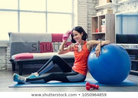 женщину · тренировки · пот · устал · Фитнес-женщины · лоб - Сток-фото © deandrobot