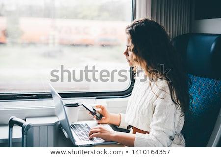 üzletasszony ingázás nő városi jókedv portré Stock fotó © IS2