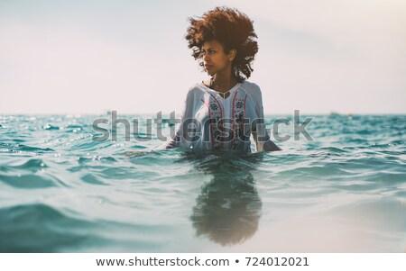 jonge · vrouw · Blauw · shirt · witte - stockfoto © pablocalvog