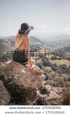 Felső kilátás elragadtatott fiatal lány nyár kalap Stock fotó © deandrobot