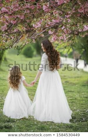 матери белое платье невеста парка дочь семьи Сток-фото © ElenaBatkova