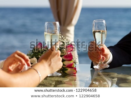 Bril champagne handen bruidegom verloofde twee Stockfoto © konturvid