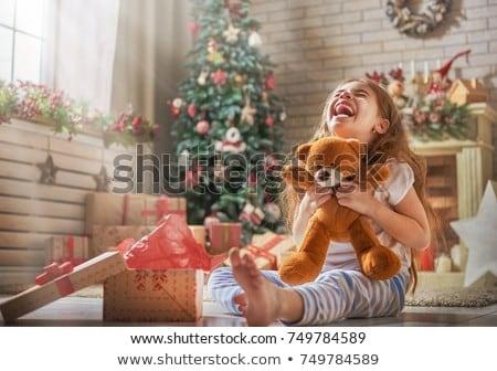 молодые · семьи · смеясь · красный · комнату · девушки - Сток-фото © Paha_L