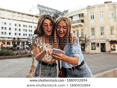 великолепный · блондинка · позируют · портрет · красный - Сток-фото © traimak