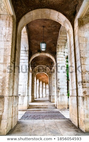 arquitectónico · joven · silla · de · ruedas · hasta · escaleras · paciente - foto stock © bobkeenan