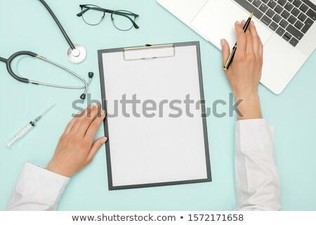 医師 · 聴診器 · 手 · 書く · 医療 · 医療 - ストックフォト © kurhan