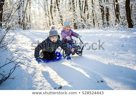 jong · meisje · touw · buitenshuis · glimlachend · meisje · kinderen - stockfoto © is2