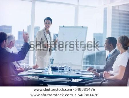 Oldalnézet érett kaukázusi üzletasszony kérdez kérdés Stock fotó © wavebreak_media