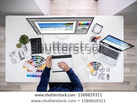 több · nemzetiségű · csoport · üzletemberek · projekt · gondolkodik · lehetőségek - stock fotó © pressmaster