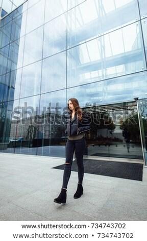 молодые · черную · женщину · Постоянный · здании · городской · улице · девушки - Сток-фото © alones