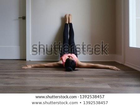 oturma · hip-hop · kız · bacak · yukarı · moda - stok fotoğraf © gubh83
