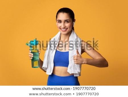 Feliz deportes dama posando gimnasio bueno Foto stock © deandrobot