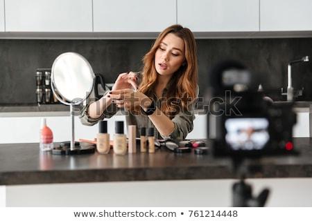 Mode blogger nieuwe video vrouw winkelen Stockfoto © Elnur