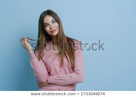 Cintura para cima tiro agradável olhando mulher jovem Foto stock © vkstudio